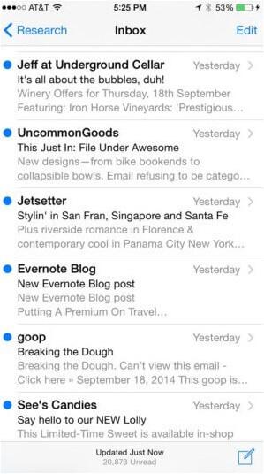 Das Bild zeigt einen Screenshot eines Posteingangs mit mehreren E-Mails, die jeweils unterschiedliche Betreffzeilen haben.