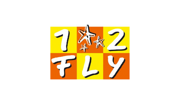 Das Bild zeigt das Logo von 1 2 Fly, welcher zu den epoq Kunden gehört.