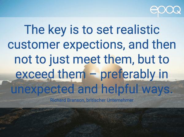 Dargestellt wird ein Zitat zum Thema Customer Experience von Richard Branson, einem britischen Unternehmer.