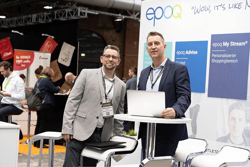 Das Bild zeigt das epoq Team am Messestand auf der E-commerce Berlin Expo 2020.